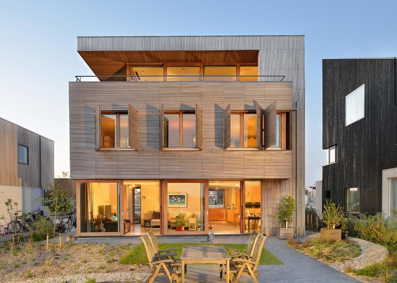 dezeen_Villa-Rieteiland-oost-by-Egeon-Architecten_ss_1