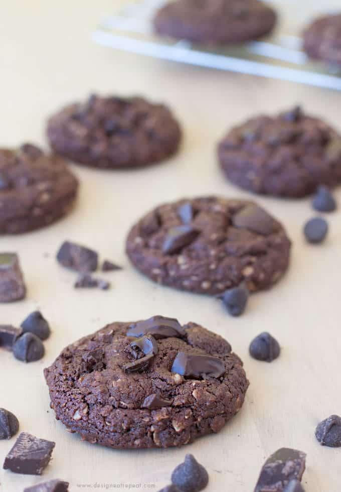 Dark Chocolate Oatmeal Cookies | Design Eat Repeat