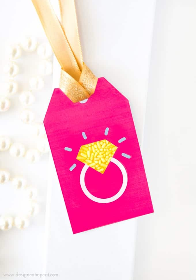 Wedding Gift Tags Suggestions : ... , or wedding gifts with these Sprinkle Ring Wedding Gift Tags