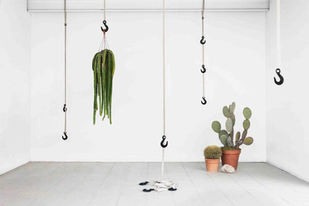 coatrack-made-from-grass-bio-plastic-600x400