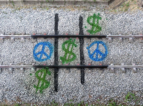 train-tracks-bordalo-4