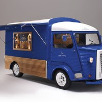 The Grey Goose Camionnette by Ragged Edge