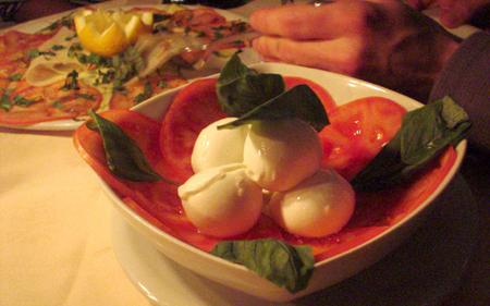 la giostra florence mozzarella tomatoe