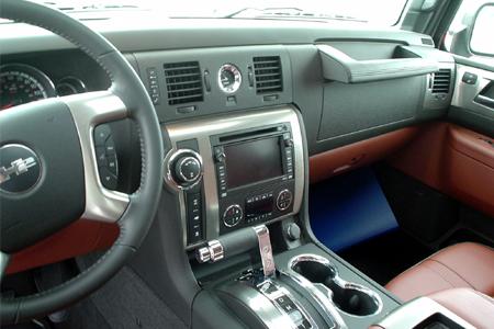 GM Test Drive Detroit Driving Hummer H3 interior
