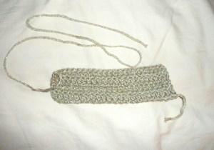 crochet bow.jpg 300x210 Big Crochet Bow Hair Clip {diy}