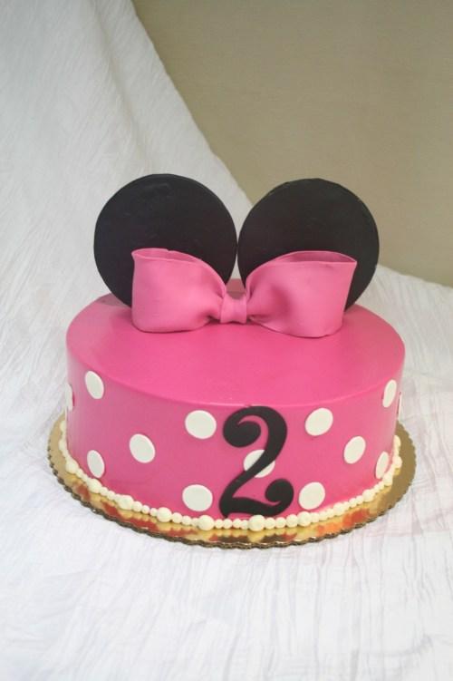 Medium Of Minnie Mouse Cakes