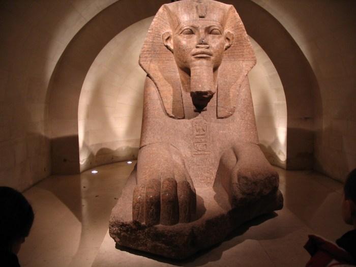 A Grande Esfinge, em mármore rosa, outra importante atração egípcia