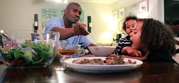 family-dinnertime-dsm-2