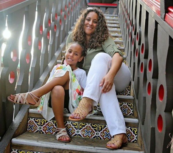 Mom Fashion And Parenting: Raising Strong Girls