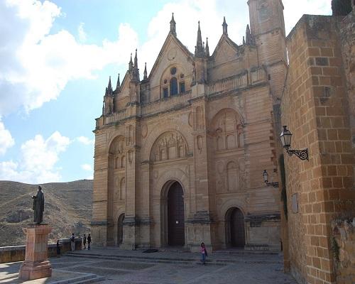 Antequera, entre la Colegiata y la Alcazaba