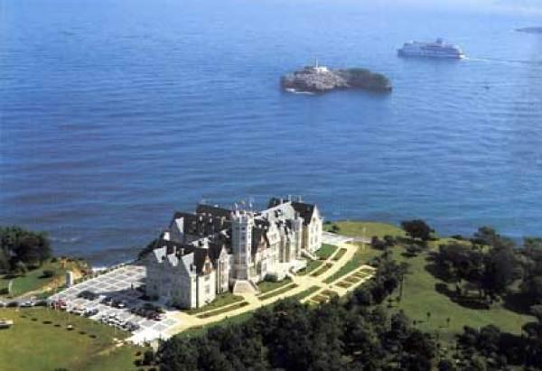 El palacio de la magdalena en la ciudad de santander de - Vacaciones en cantabria ...