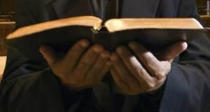 biblia-en-manos