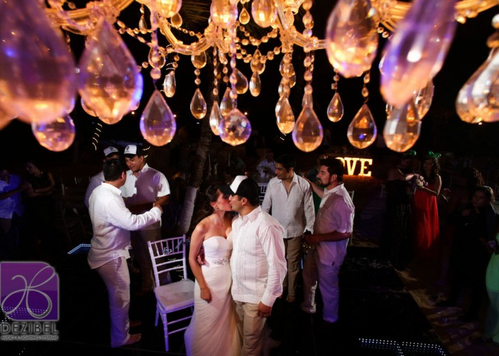 Wedding cancun-Planners - Beautiful Chandelier _-96