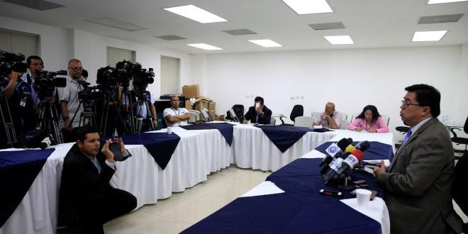 Gobierno listo para firmar acuerdo con FMI y ley fiscal: Roberto Lorenzana