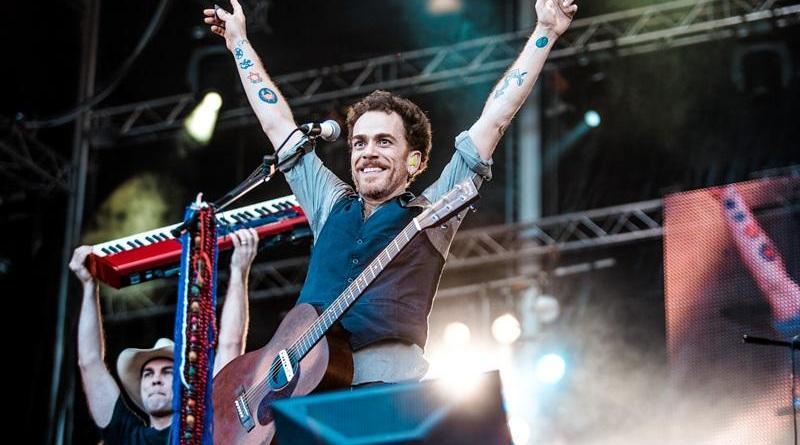 Guitarristas de Pearl Jam e R.E.M. participam do próximo disco de Nando Reis