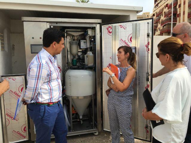 """Luengo visita las estaciones de bombeo de La Manga para alabar su """"correcto funcionamiento"""" tras las quejas vecinales por malos olores"""