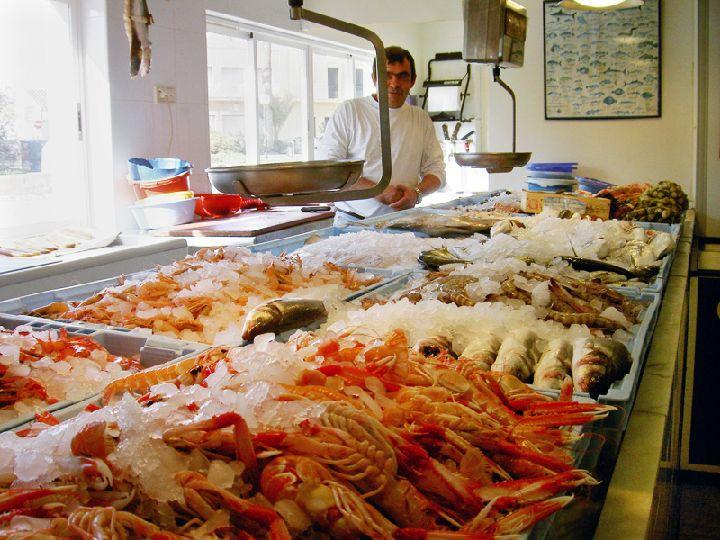 San Javier quiere recuperar la imagen del pescado del Mar Menor