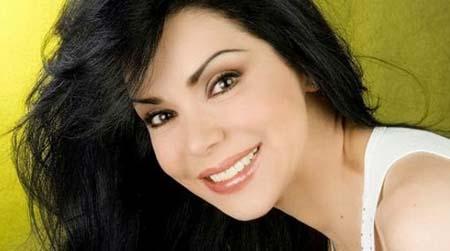 Astrid Carolina Herrera fue operada de un tumor