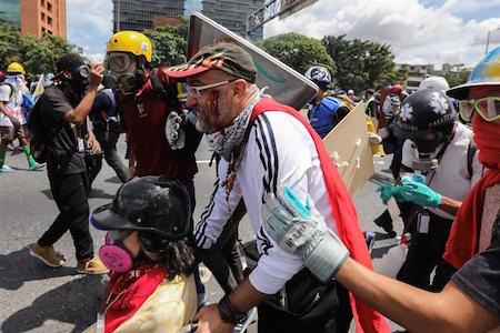 Ombudsman venezolano dice que fueron detenidos 2 guardias por muerte de joven