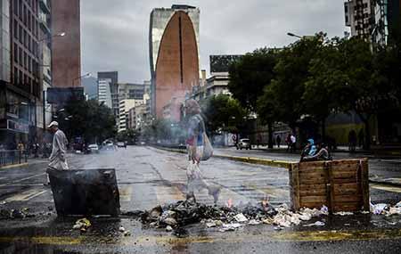 Asesinan a tres jóvenes en el paro contra Maduro