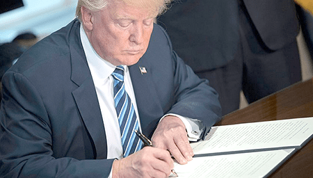 Trump posibilita transferir armamento militar a policías de EE.UU