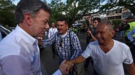 Juan Manuel Santos, afirmó este lunes que su Gobierno mantendrá su política de firmeza y diplomacia en busca de una solución a la crisis fronteriza con Venezuela
