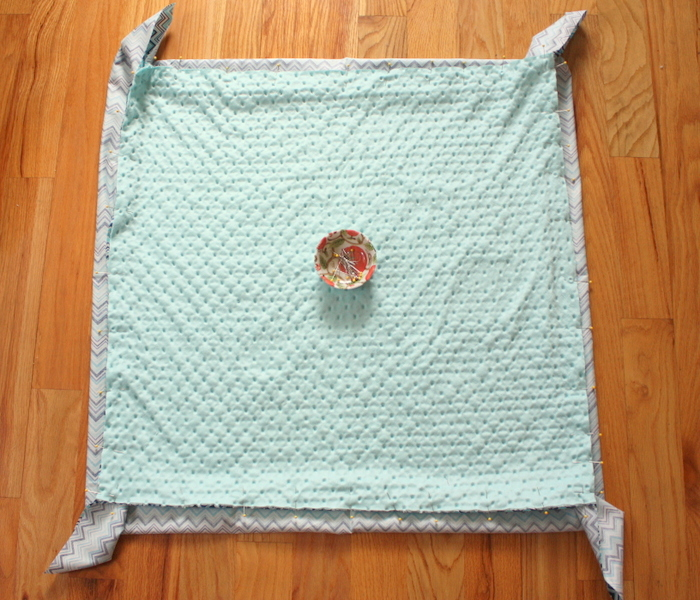 Pin-all-four-sides-mitered-baby-blanket-tutorial