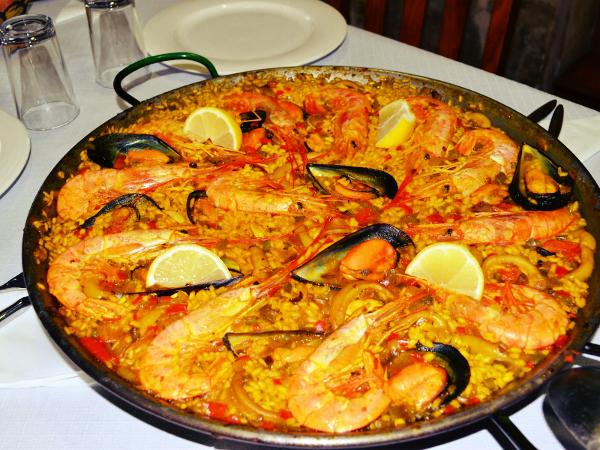 Comida típica feita a base de frutos do mar e tempero.