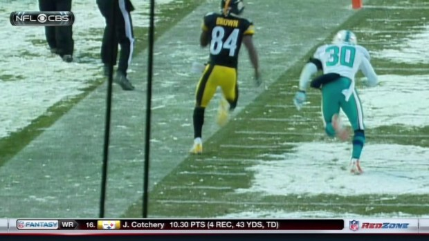 Antonio Brown just barely out on hail mary