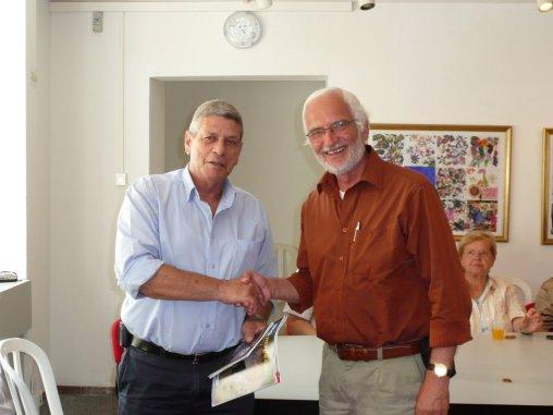 Der Landrat Motti Dotan (links) empfängt die DIG Gruppe aus Hannover unter Leitung von Frank Lehmberg.