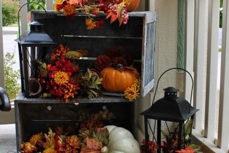 60 pretty autumn porch decor ideas 17