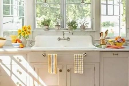 cozy and chic farmhouse kitchen decor ideas 1
