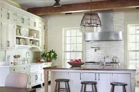 cozy and chic farmhouse kitchen decor ideas 14