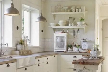 cozy and chic farmhouse kitchen decor ideas 6 554x745