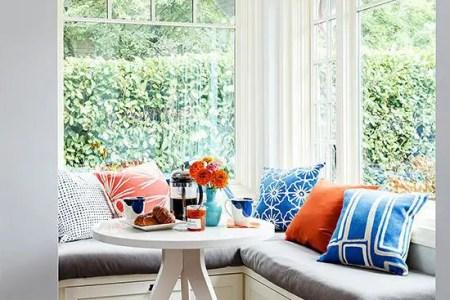 cute and cozy breakfast nook decor ideas 40