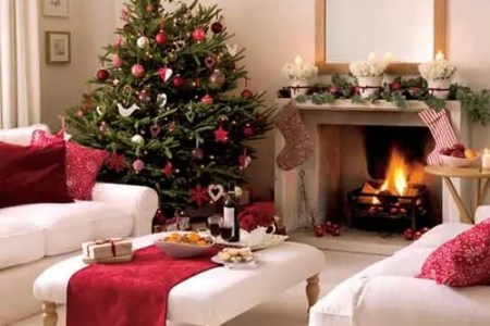 dreamy christmas living room decor ideas 55