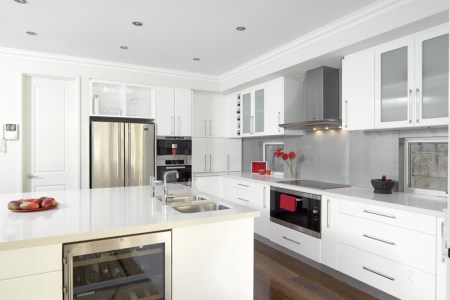 glossy white kitchen 2