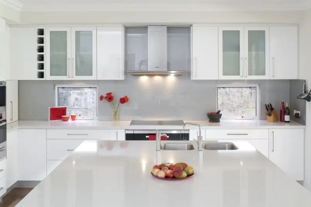 glossy white kitchen 3