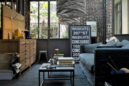 stylish and inspiring industrial living room designs 31