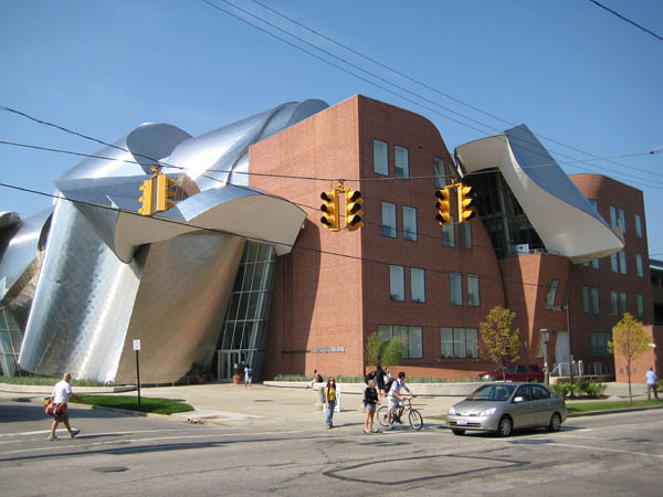 Peter-B-Lewis-building-Case-western-Reserve-University-Cleveland-OH-USA[1]