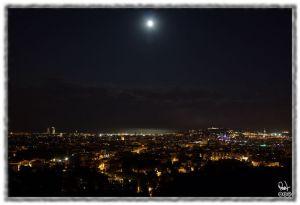 normal_Luna_Sobre_Barcelona