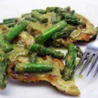Chicken and Asparagus in Pesto Cream Sauce