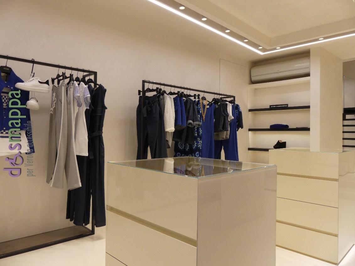 Accessibilit negozio atos lombardini dismappa verona for Negozio con alloggi al piano di sopra