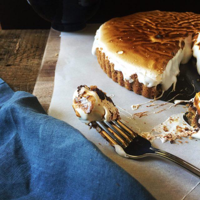| s'more brownie tart with pecan-graham crust | recipe via DisplacedHousewife