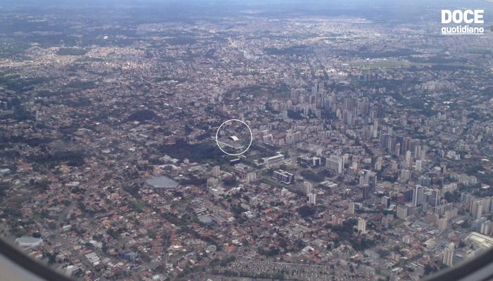 horta e jardim livro:Vista aérea de Curitiba, em fotos que bati de um avião.