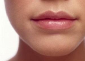 Cara Memerahkan Bibir Secara Alami dan Permanen
