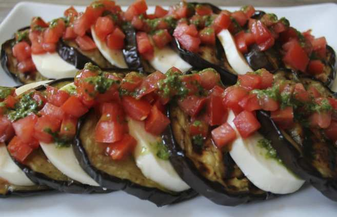 Grilled-eggplant-with-mozzarella-tomatoes-and-basil-vinaigrette-3, pinthis