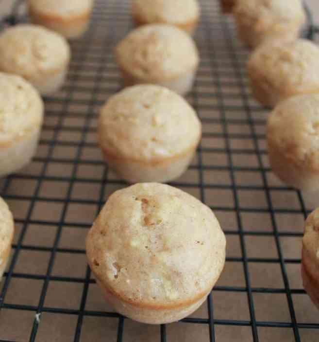 apple-cinnamon-baked-doughnut-holes-step-9-2