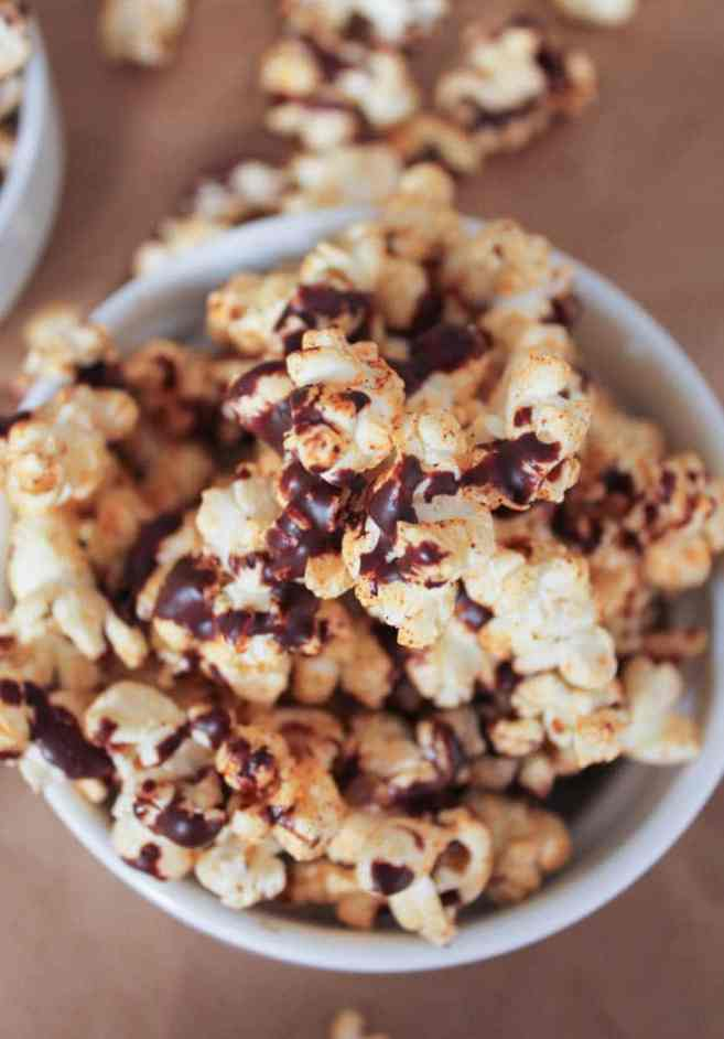 vegan-dark-chocolate-chipotle-popcorn-2