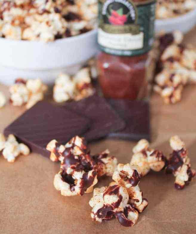 vegan-dark-chocolate-chipotle-popcorn-3